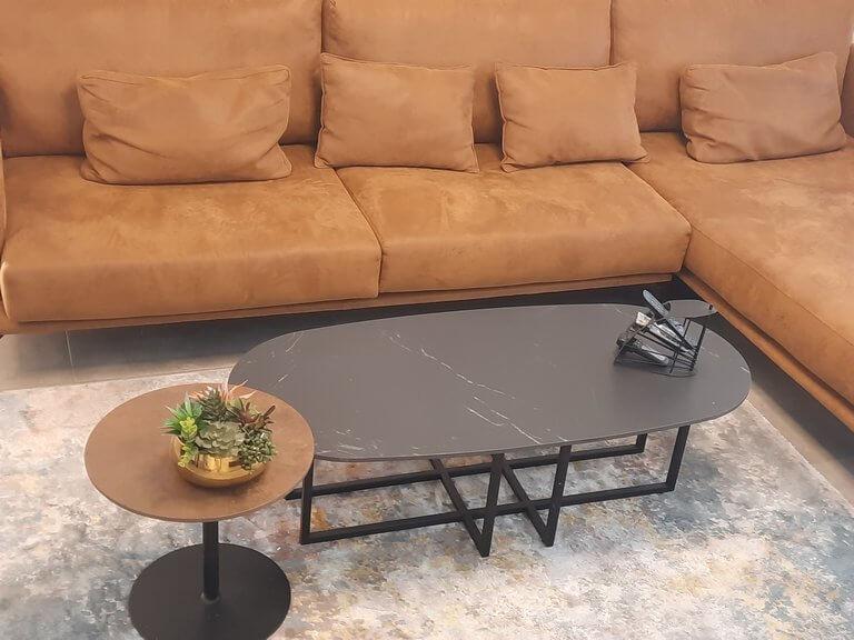 שולחן שיש קפה חלודה עם רגל בודדת לסלון